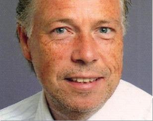 Wolfgang Görtz hat bereits als Jugendlicher beim TCC Tennis gespielt. Seit Jahren ist er im Vorstand aktiv und wurde dann zum 1. Vorsitzenden gewählt. Der 1. Vorsitzende wird alle 2 Jahre gewählt. Die nächste Wahl erfolgt 2015.